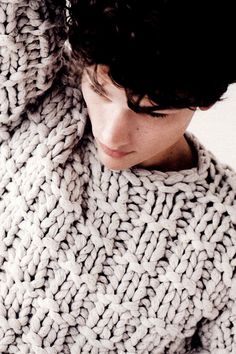 """strangeforeignbeauty: """" Simon Nessman by Billy Kidd for Details Magazine October 2012 Issue [ fave models Simon Nessman, Crochet Capas, Knit Crochet, Knit Fashion, Mens Fashion, Fashion Guide, Pull Grosse Maille, Hand Knitting, Knitting Patterns"""