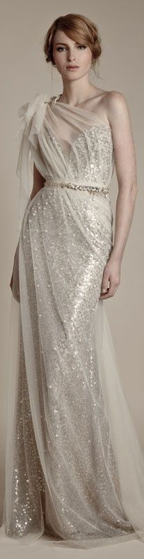 Beautiful champagne gold glitter gown - love the style and the elegance of this look #wedding #dress #gown #gold #blacktie