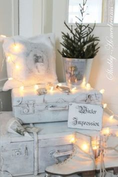 Beautiful ideas....Vintage Christmas Ideas for Decorating 26 50 White Vintage Christmas Ideas for Decorating