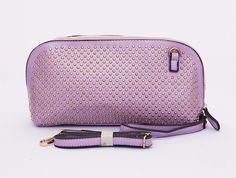 Dianna cluth studded seris cantik, good quality. Ada tali pendek samping dan selempang. Warna ungu. Uk 30x9x15