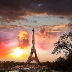 Tour Eiffel, couché de soleil