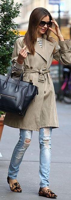 White chocolate shoes,blue jeans,black bag and grey sweater cots::
