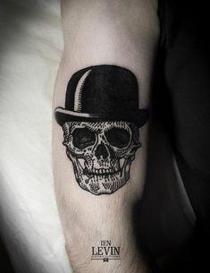 http://tattoomagz.com/skull-tattoo/skull-tattoo-black-and-white/