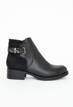 Stephanie Contrast Panel Buckled Ankle Boots - Shoes - Missguided