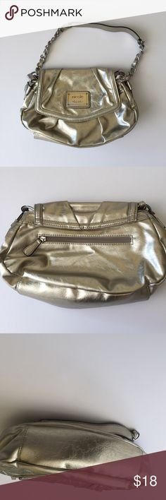 ❣️SALE❣️NICOLE MILLER GOLD PURSE❤ Used once as evening bag. Nicole Miller gold purse. No rips, stains, tears, etc. Like new.    <<Bundle and Save>> ⭐️Final price unless bundle discount applies. Bags