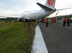 Incident: Lion B738 at Gorontalo on Aug 6th 2013, hit cows and runway excursion on landing