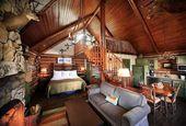 6 Cozy Cabin Decor Ideas For A Winter Getaway Wedding Blog, Wedding Planner, Log Cabin Homes, Cozy Cabin, Henna Designs, Wedding Season, Cosy, Inspiration, Weddingideas
