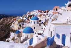 Mashable_0014_santorini%20in%20greece%20-%20by%20kate%20noll