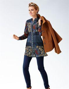 Durch seinen Couture-Stil so zeitlos elegant: der Blazer aus Wolltuch. In Kombination mit der Bluse: so Boho!