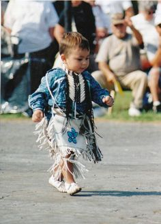 Native American. Iroquois. Tuscarora/Mohawk. My little Smoke Dancer in Pittsburgh 2003