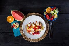 Jedlo - Wafle so šľahačkou a ovocím