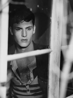 Matt Benstead | Photo Daily | Model Diary  http://model-diary.com/2014/08/14/matt-benstead-photo-daily/