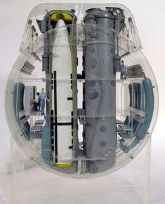 Sumarino Trident, corte de los tubos de misiles. SUB ~ Trident Submarine cutaway model at missile tubes ~ BFD