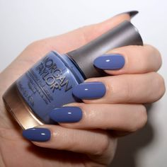 Morgan Taylor 'Flirt In A Skating Skirt' - a muted, dark cornflower blue nail polish. Manicure inspiration. #talontedlex #morgantaylor #bluenails#talontedlex #morgantaylor #purplenails