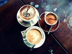 Buenos días a todos. Un desayuno con mucha música.  www.musicaes.wordpress.com