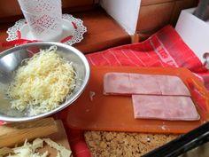 Slané závitky z lístkového cesta (fotorecept) - obrázok 2 Coconut Flakes, Ale, Spices, Dairy, Cheese, Food, Basket, Spice, Ale Beer