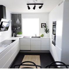 White Kitchen. KücheneinrichtungHausWeiße EinrichtungenWeiße KüchenModernes  Design