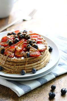 Cinnamon Whole Grain Power Pancakes - a simple and pretty breakfast for pancake lovers! each pancake has just 60 calories and 5 grams of protein. | pinchofyum.com