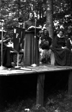 Woman in linsey-woolsey dress, American Folk Song Festival. :: Jean Thomas, The Traipsin' Woman, Collection