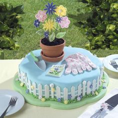 "Make a ""Planter's Paradise"" cake for your favorite gardener with this how-to guide via wilton.com."