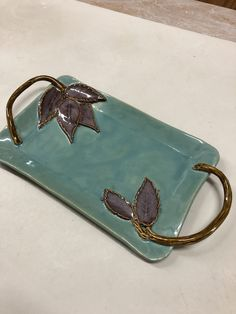 Most up-to-date Pics Slab Pottery leaves Popular Karen Lucid Pottery. Teal and Plum Rectangle Tray w/Leaves and Branch Handles. Hand Built Pottery, Slab Pottery, Pottery Mugs, Ceramic Pottery, Pottery Gifts, Thrown Pottery, Ceramic Plates, Ceramic Art, Cerámica Ideas