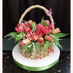 "Торт на 8 марта ""Корзина с розовыми тюльпанами"""