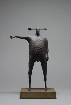 Great sculpture by John Morris, reminds me of the animation of Bill Plympton. Gotta look into more of Morris's work.
