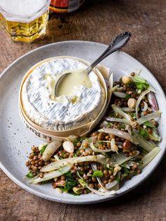 Camembert chaud et salade de lentilles et échalote | Spar