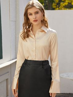 Sexy Blouse, Blouse Outfit, Satin Fabric, Silk Satin, Satin Bluse, Beautiful Blouses, Wardrobe Basics, Petite Outfits, Rock