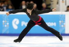 Japan's Takahiko Kozuka performs during the men's short program at the Rostelecom Cup ISU Grand Prix of Figure Skating in Moscow, November 20, 2015. REUTERS/Maxim Shemetov (3000×2049)