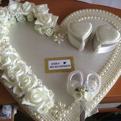 Wedding Gift Baskets, Wedding Gift Wrapping, Engagement Decorations, Indian Wedding Decorations, Engagement Ring Platter, Afghan Wedding, Wedding Wine Glasses, Marriage Decoration, Wedding Plates