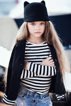 Little girls fashion/ kids Fashion Little Fashionista, Look Fashion, Kids Fashion, Ss15 Fashion, Fashion Tights, Fashion Photo, Trendy Fashion, Winter Fashion, Look Girl