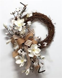 Cotton + Magnolia Wreath - The Wreath Shed Wreath Crafts, Diy Wreath, Grapevine Wreath, Fall Wreaths, Christmas Wreaths, Natal Diy, Cotton Wreath, Magnolia Wreath, Burlap Bows
