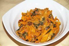 Das Zucchini - Mangold - Gemüse mit Eierschwammerl passt gut zu Steaks, oder Hühnerfilet. Aber auch ein Rezept für eine fleischlose Hauptspeise. Steaks, Thai Red Curry, Zucchini, Shrimp, Meat, Ethnic Recipes, Food, Chard Recipes, Mushrooms