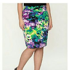 28W Lane Bryant Floral Print Twill Pencil Skirt Printed twill pencil skirt from Lane Bryant in a size 28. Bright floral print that is perfect for spring. It has a wide waistband and a vented back. Hidden back zipper with a hook and eye closure. It is fully lined.  New without tags. Lane Bryant Skirts Pencil