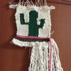 짠~선인장 완성#wallhanging #weavingloom #weavingtapestry #weaving #cactus #위빙#위빙타피스트리#광주위빙#광주위빙타피스트리#위빙클래스#weavingloom #위빙룸#선인장위빙#직조#직조공방#벽장식