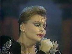 """Rocío Dúrcal - """"Amor eterno"""" ♪♫♪ María De Los Ángeles De Las Heras Ortiz, más conocida como  Rocío Dúrcal  canta """"Amor eterno"""", Rocío llora por la muerte de su padre"""