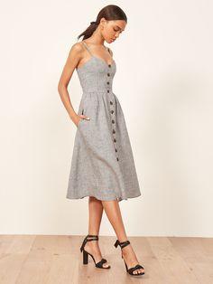 Most Popular Reformation Dress 2018 Casual Dress Outfits, Mode Outfits, Chic Outfits, Skater Outfits, Moda Vintage, Retro Vintage, Ladies Dress Design, Pretty Dresses, Cute Simple Dresses