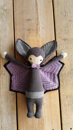 VLAD the vampire bat made by Els van Sch. / crochet pattern by lalylala