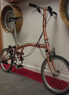Love this copper plated brompton - it would be the perfect bike for Prudence! Velo Brompton, Brooks Bike, Bicycle Paint Job, Bike Friday, Pedal, Bicycle Race, Bicycle Design, Vintage Bikes, Cycling Bikes