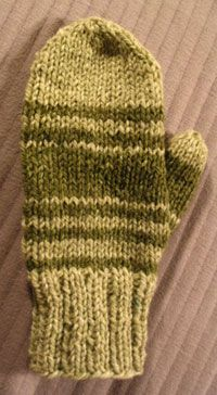 Lion Brand Yarn Free Knitting Pattern: Easy-Knit Mittens Knitting patterns ...