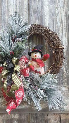 Grapevine Christmas, Christmas Wreaths For Front Door, Holiday Wreaths, Rustic Christmas, Christmas Crafts, Wreaths Crafts, Winter Wreaths, Rose Gold Christmas Decorations, Xmas Decorations