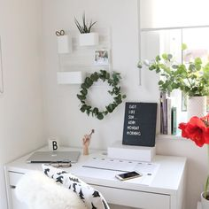Arbeitsplatz, Workspace, Homeoffice, Büro, Eukalyptus, Letterboard, Schreibtisch. Instagram @lifestylemommy
