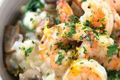 Risotto de camarones con champiñones y espinacas