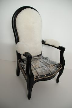 1000 images about voltaire on pinterest armchairs out for Chaise voltaire