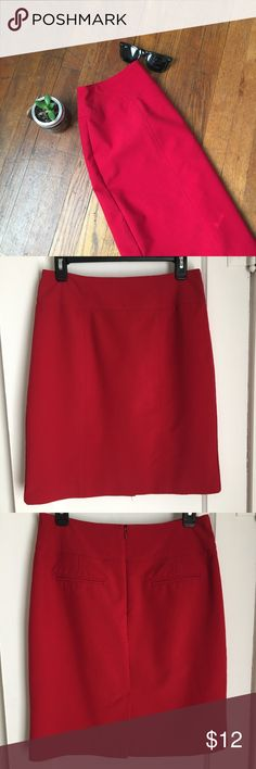 """Worthington Red Pencil Skirt Red pencil skirt, great for the office. Was used a handful of times, but still has many uses left!  Back pockets are non-functioning and has a small back slit. Measurements: waist 14.5"""", length 21"""", slit 5.5"""". Worthington Skirts Pencil"""