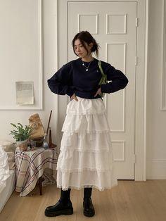Image about fashion in -Style Nanda- by . Mode Emo, Mode Ootd, Mode Outfits, Casual Outfits, Fashion Outfits, Workwear Fashion, Hijab Fashion, Look Fashion, Korean Fashion