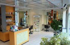 LE SALON DE COIFFURE / A Suresnes, découvrez le salon du coiffeur-visagiste Romain Chapuis.