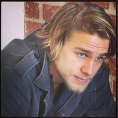 Charlie Hunnam. Ahhhh the new season is almost here!!!!!!!