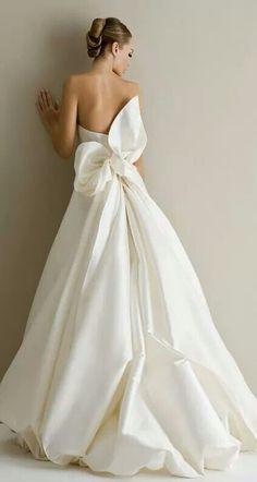 Dream Wedding Dresses, Wedding Dress Styles, Bridal Dresses, Wedding Gowns, Bridesmaid Dresses, Wedding Dress Bow, Backless Wedding, Dresses Dresses, Wedding Colors